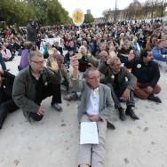 Paris : sit-in pacifique en mémoire de Rémi Fraisse