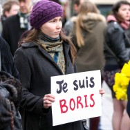 L'assassinat de Boris Nemtsov mobilise aussi à Paris