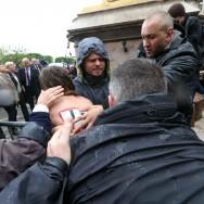 Front national : le dépôt de gerbe de Marine Le Pen perturbé par des Femen