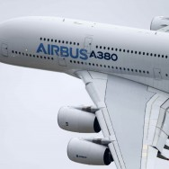 L'Airbus A380 survole le Salon du Bourget