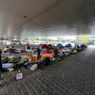 Paris : les migrants du quai d'Austerlitz toujours présents