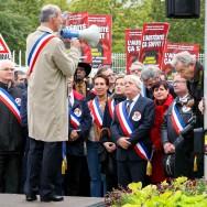 Essonne : Manifestation d'élus devant la préfecture contre la baisse des dotations.