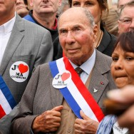 Evry : Serge Dassault dans la rue.
