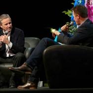 Régionales : Nicolas Dupont-Aignan s'exprime devant la Manif pour tous