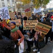 """Des milliers de personnes pour une """"Marche de la dignité"""" dans les rues de Paris"""