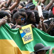 Paris : des centaines de Gabonais réclament le départ d'Ali Bongo