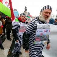 Paris : manifestation contre l'état d'urgence et la déchéance de nationalité