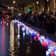 Les parisiens rendent hommage aux victimes des attentats du 13 novembre 2015