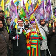 Manifestation pour trois kurdes tuées à Paris.