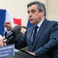 """Au Trocadéro, François Fillon reconnaît sa """"part de responsabilité""""."""