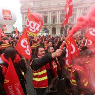 La CGT commerce et services mobilise à Paris contre les ordonnances.