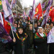 Des milliers de Kurdes réclament justice pour les militantes tuées à Paris.