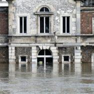Paris se prépare à un pic de crue de la Seine moins important que prévu.