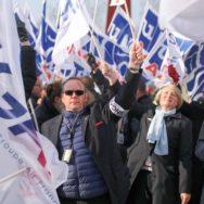Grève à Air France : onze syndicats réclament une hausse des salaires de 6 %