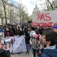 Réforme de l'accès à l'université : les étudiants dans la rue.