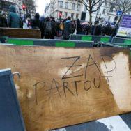 Notre-Dame-des-Landes : à Paris, les soutiens aux zadistes se réunissent.