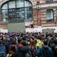 Mobilisation à Paris contre la hausse des frais d'inscription pour certains étudiants étrangers.