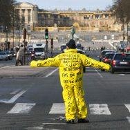 A Versailles, 600 forces de l'ordre mobilisées pour… une trentaine de Gilets jaunes.