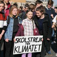 Climat : marche des jeunes à Paris autour de la militante suédoise Greta Thunberg.