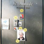 Rassemblement en soutien à Julian Assange à Paris devant le siège du Monde.