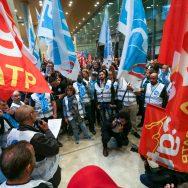 RATP : plusieurs centaines d'agents manifestent contre la réforme des retraites.