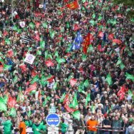 PMA pour toutes : l'ampleur de la manifestation remobilise les opposants.