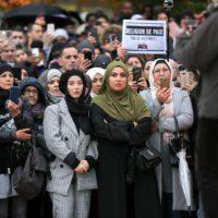 Paris : nouvelle manifestation contre l'Islamophobie.