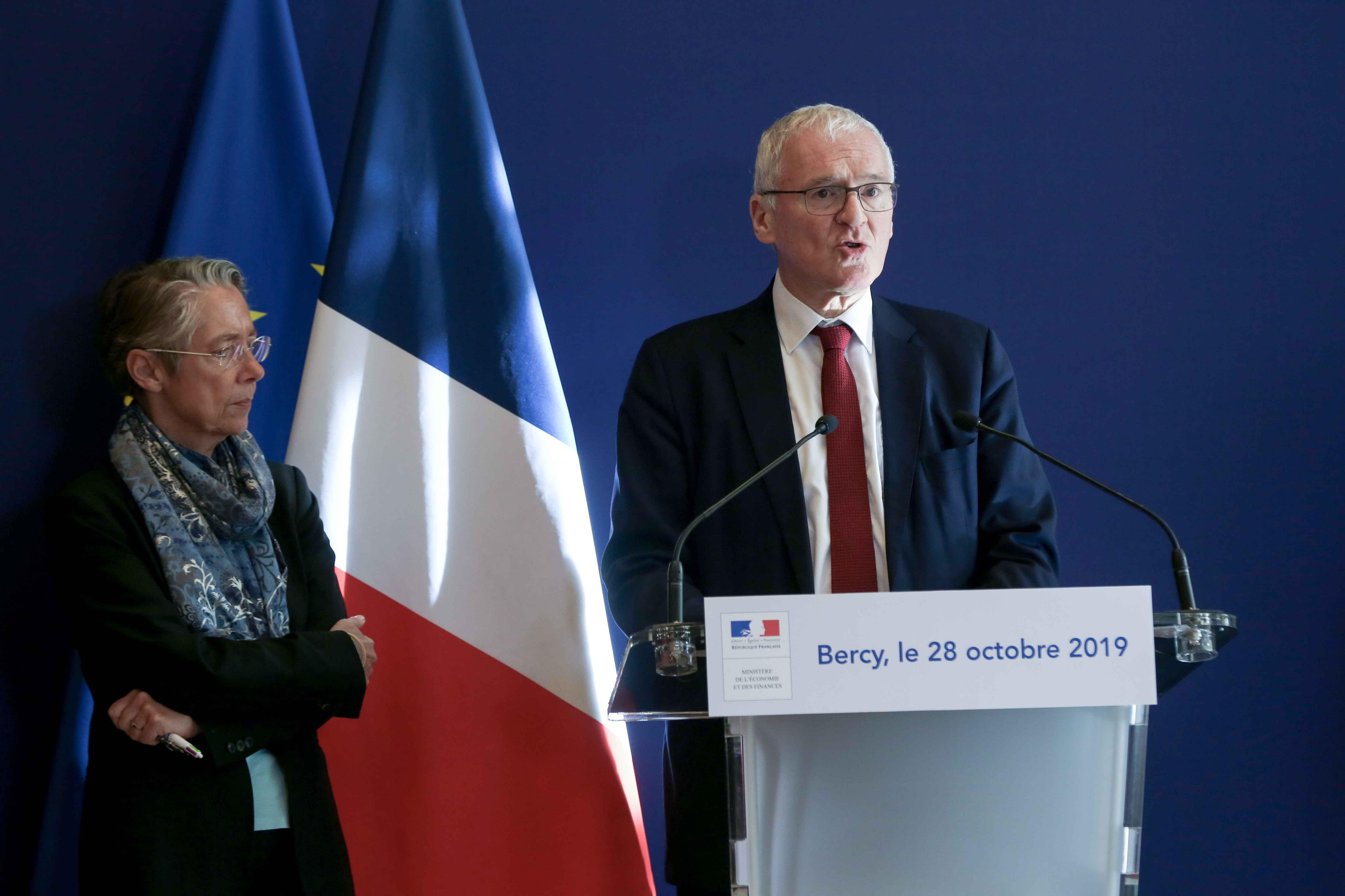 (From L to R) French Minister for the Ecological and Inclusive Transition Elisabeth Borne and French energy giant EDF's CEO Jean-Bernard Levy give a press conference to present a report concerning the construction of the EPR at the Flamanville nuclear plan