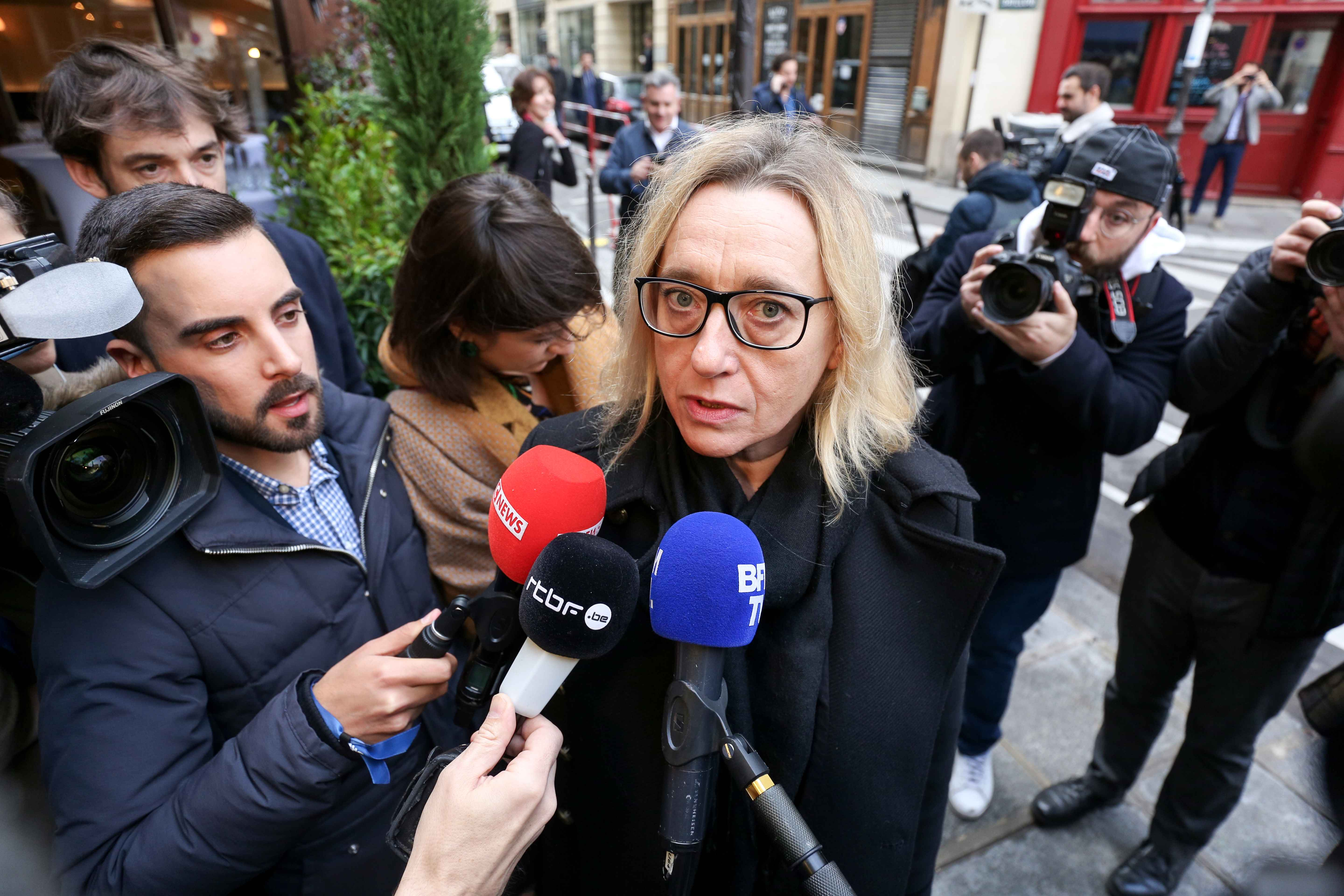 French author and member of the jury of the Prix Goncourt Virginie Despentes speaks to the press upon her arrival at the Drouant restaurant in Paris ahead of the announcement of the winner of the France's literary prize, the Prix Goncourt, on November 4, 2