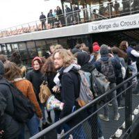 Précarité: les étudiants dans la rue pour des mesures d'urgence.