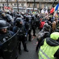 Retraites : des centaines de milliers de personnes dans la rue pour le retrait de la réforme.