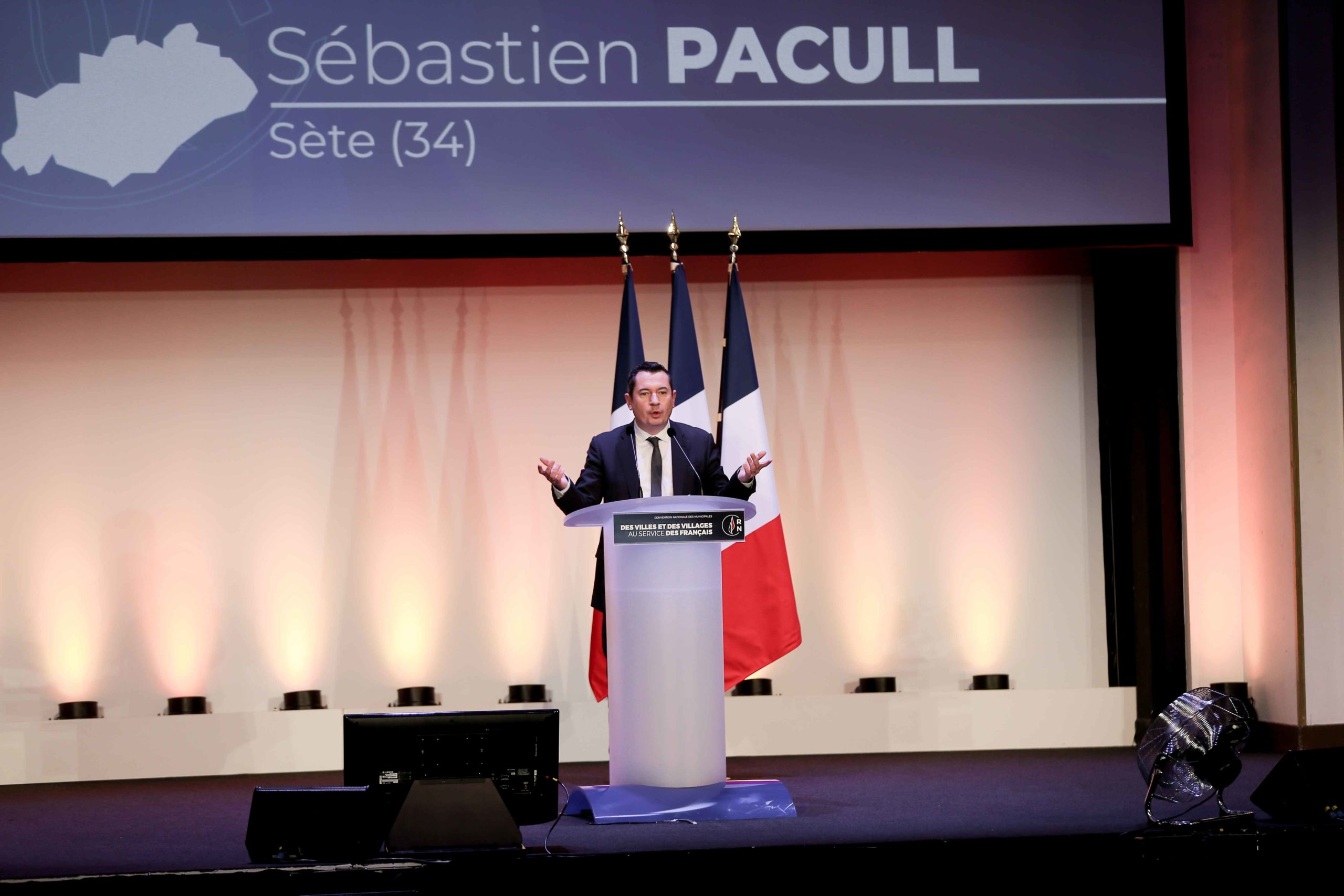 Sébastien Pacull, the Rassemblement national (RN) candidate in the forthcoming mayoral election in Sète (Hérault), speaks in Paris, on January 12, 2020, during a meeting to launch the RN campaign candidates for the next municipal elections.  The 2020 Fr
