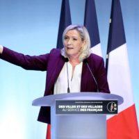 Municipales : Marine Le Pen à la conquête de nouvelles villes.