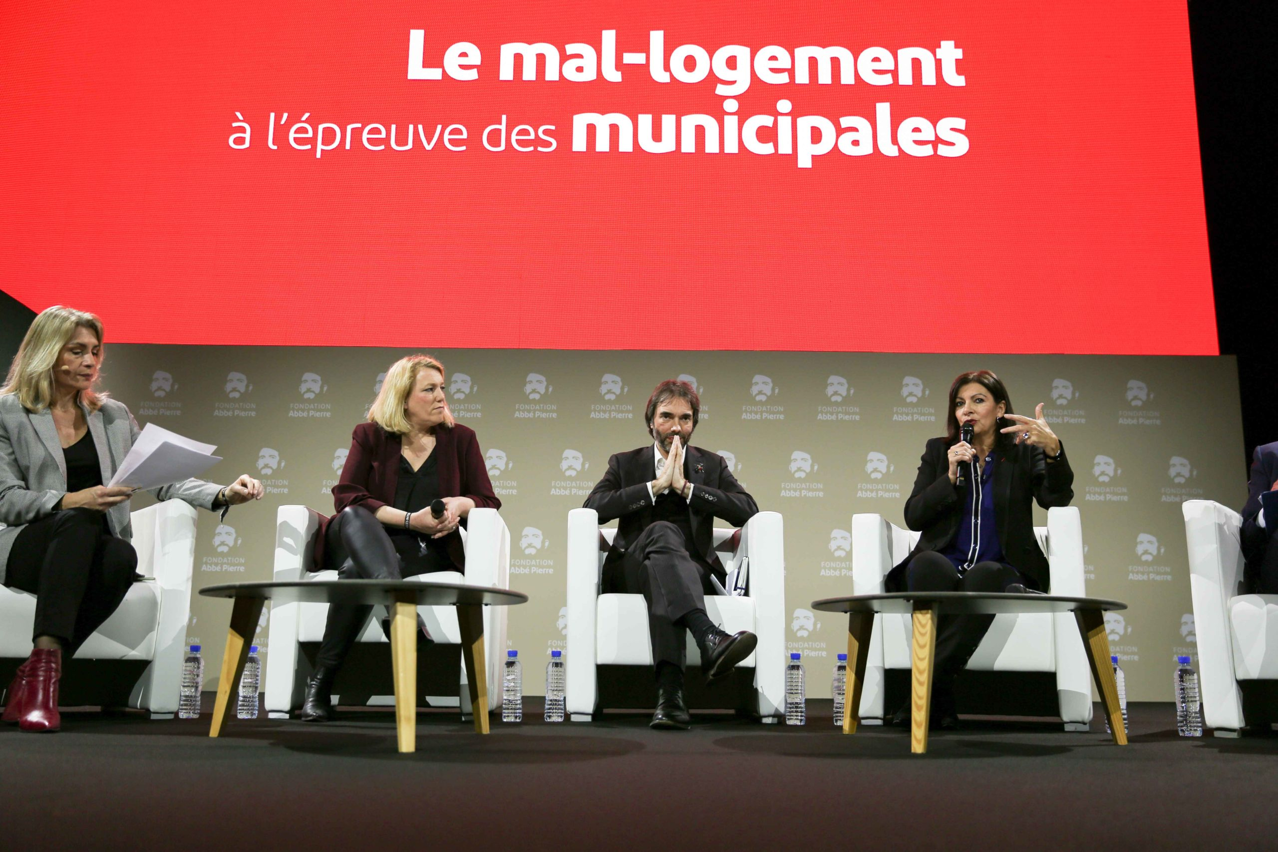 Paris' city councillor, French left-wing Parti de Gauche (PG) Secretary General and La France Insoumise (LFI) leftist party's speaker and candidate for the upcoming municipal elections in Paris Danielle Simonnet (2L), French mathematician and Paris city ha