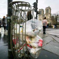 Grève : le blocage des trois incinérateurs d'Ile-de-France perturbe la collecte des ordures.