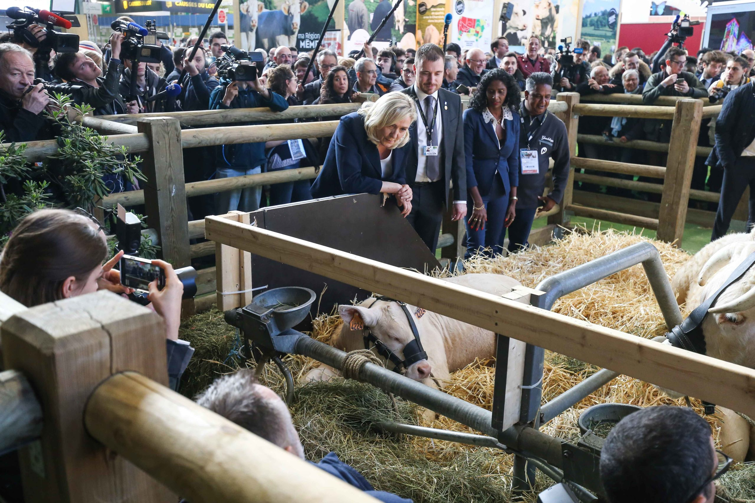 Marine Le Pen visite le Salon international de l'agriculture. © Michel Stoupak. Mar 25.02.2020, 10:07:42.