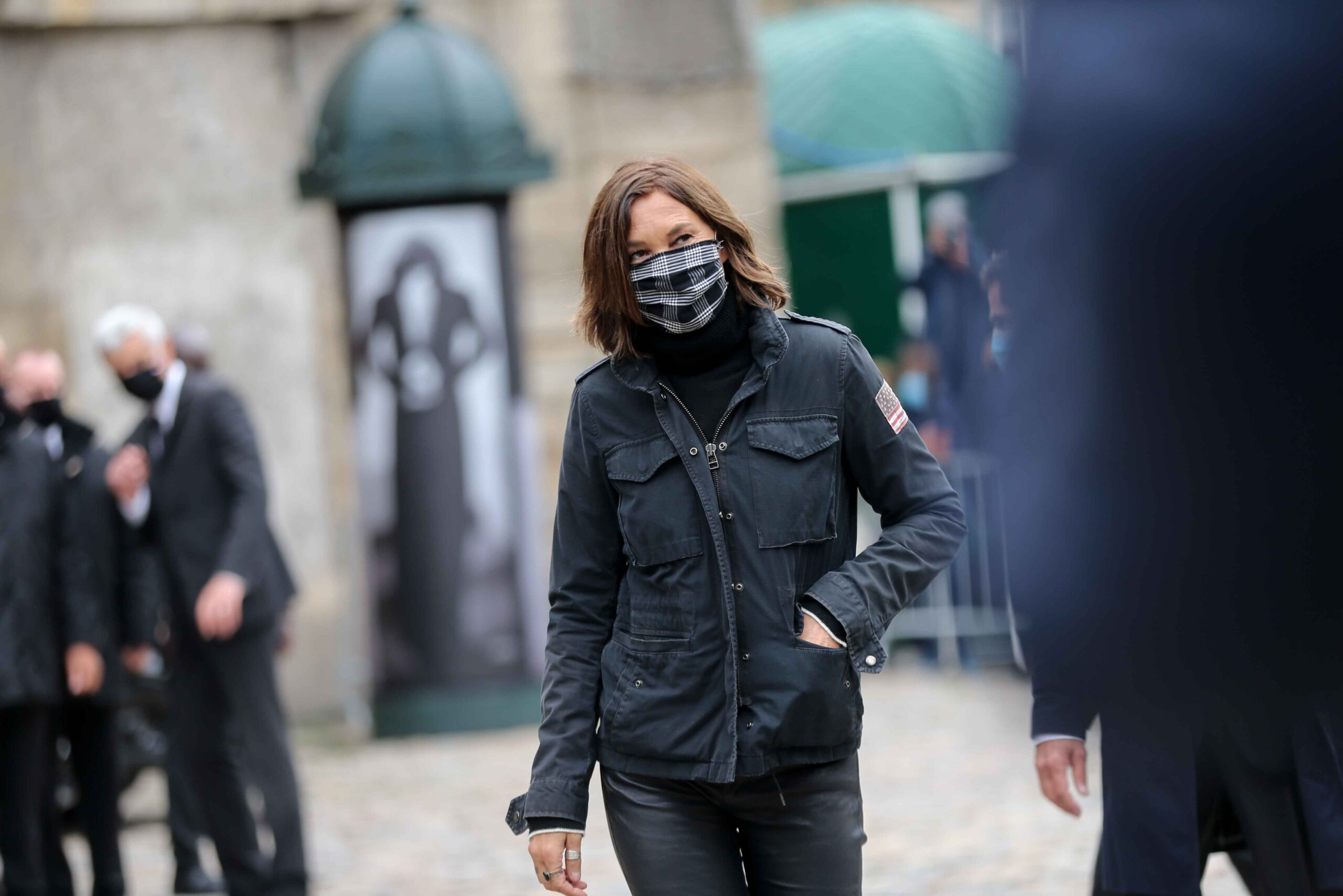 French singer Isabelle Marie Anne de Truchis de Varennes also known as Zazie arrives for the funerals of French singer Juliette Greco, at the Saint-Germain-des-Pres church in Paris, on October 5, 2020. Legendary French singer Juliette Greco whose career sp