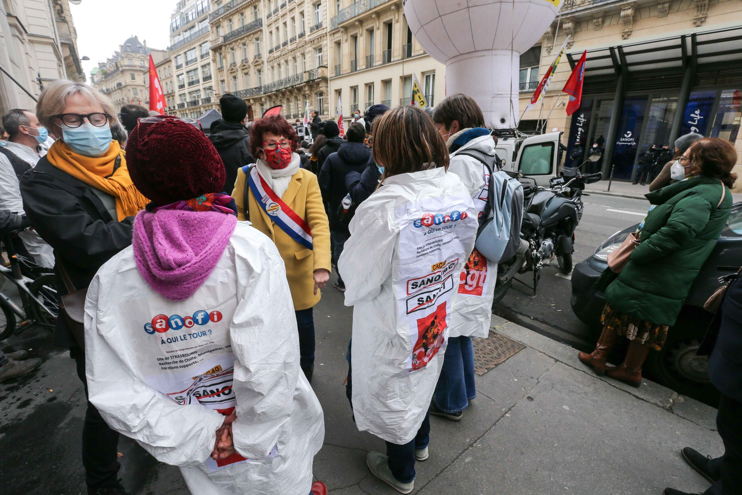 Gathering in front of the French pharma giant Sanofi group headquarters in Paris, on February 4, 202, during a day of action to highlight the current economic and cultural difficulties being experienced across France as the coronavirus (Covid-19) pandemic